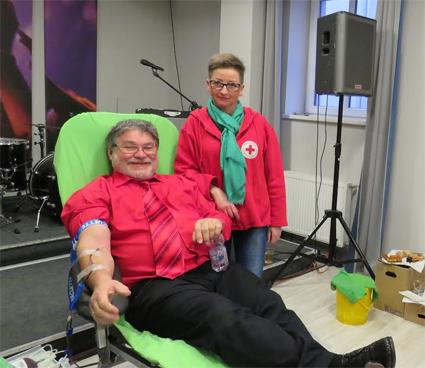 Véradás a Váci Híradás Centrumban, harminchárom életadóval