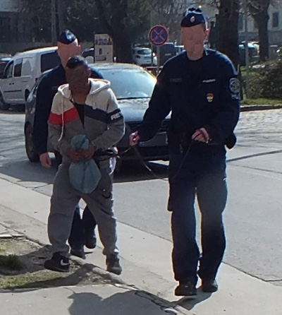 Mobiltelefont és pénztárcát rabolt – rövid időn belül elfogták a váci rendőrök