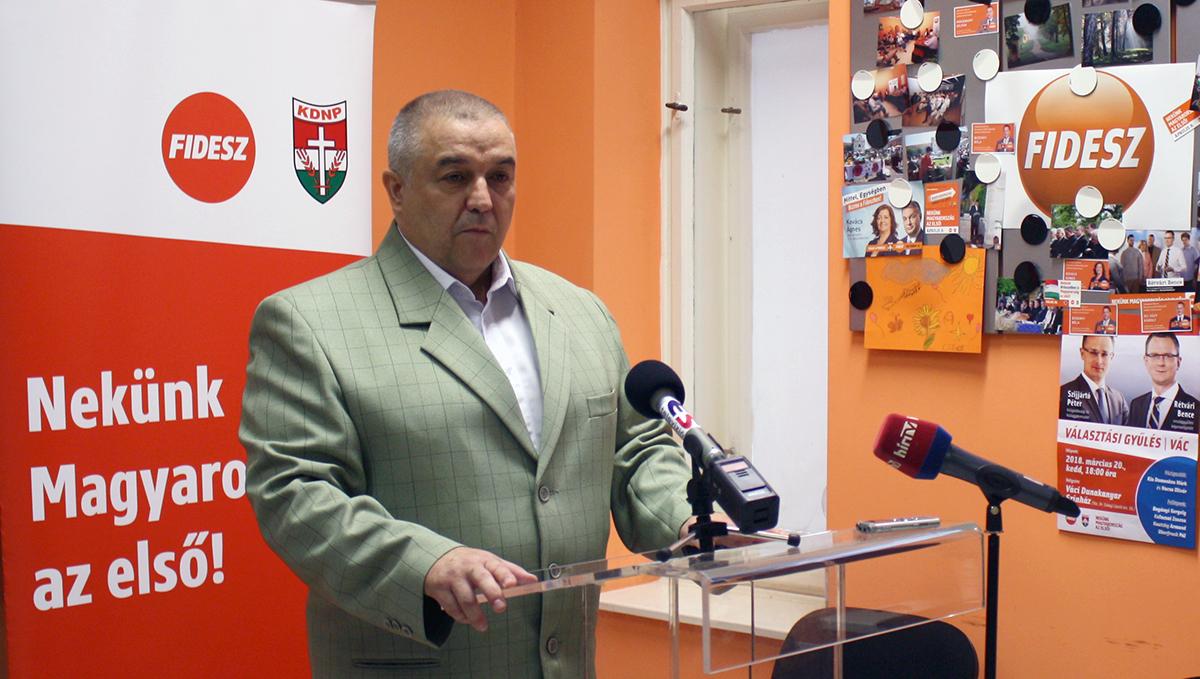 Mokánszky Zoltán: ha ekkora a baj, miért a városháza felújításába kezdtek bele és miért nem az életveszély elhárításán fáradoznak?
