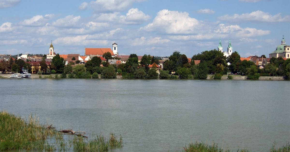 Matkovich óriási lendülettel kezdte kiárusítani Vác ingatlanvagyonát, de hiba csúszott a dübörgő ingatlanbizniszbe