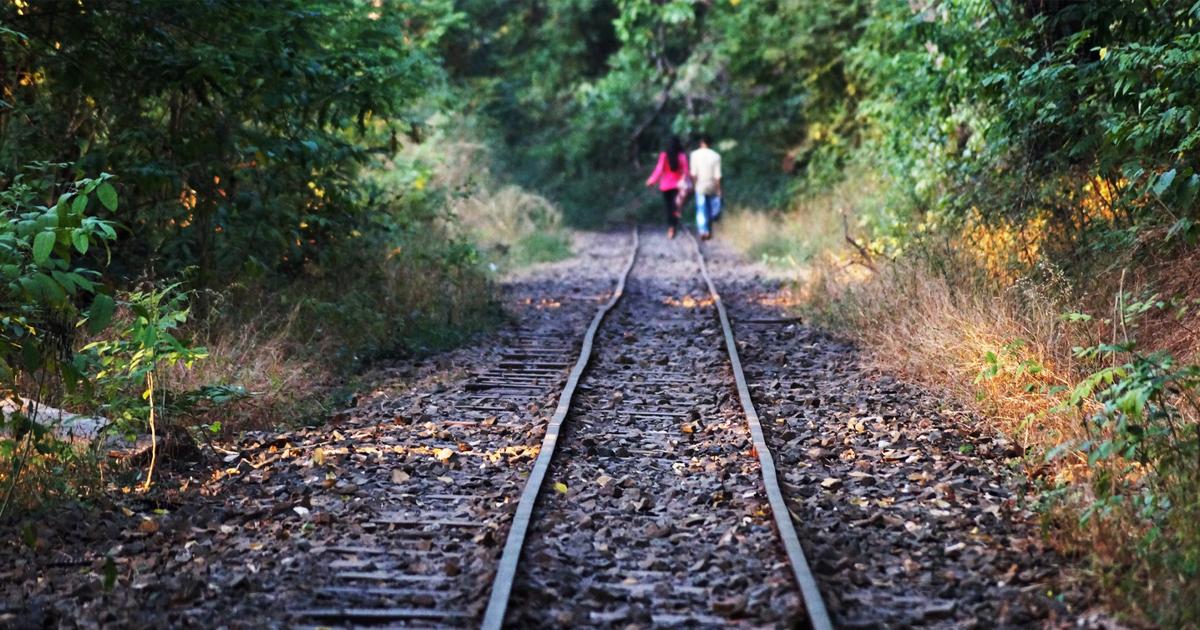 A vasút izgalmas, de nem játszótér!