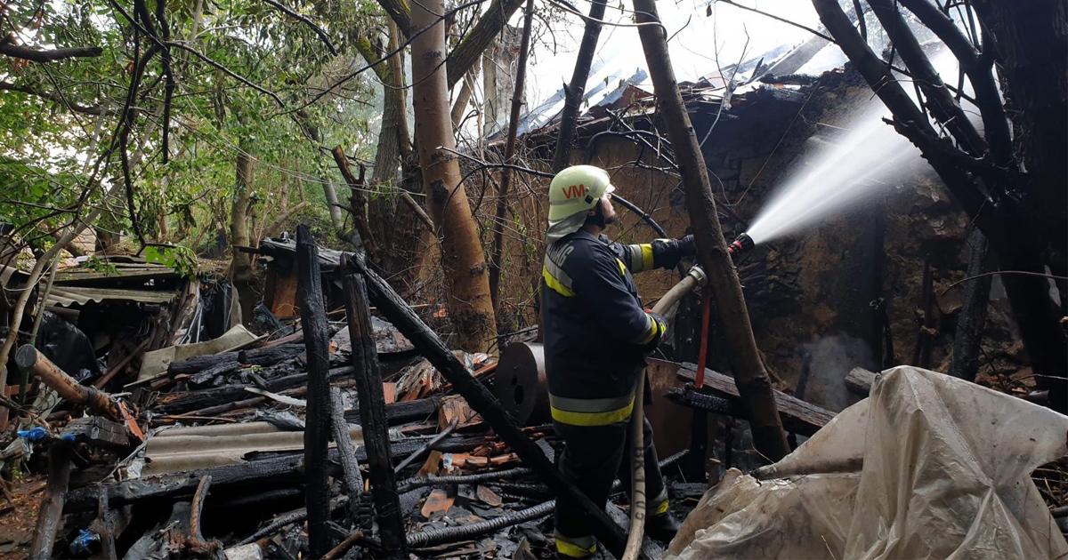 Leégett egy kilencven négyzetméteres lakóház Perőcsényben