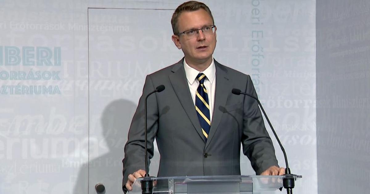 Rétvári Bence: a kormánypártoknak fontos az emberek véleménye