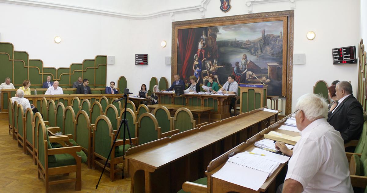 Képviselő-testületi ülés lakossági tiltakozással