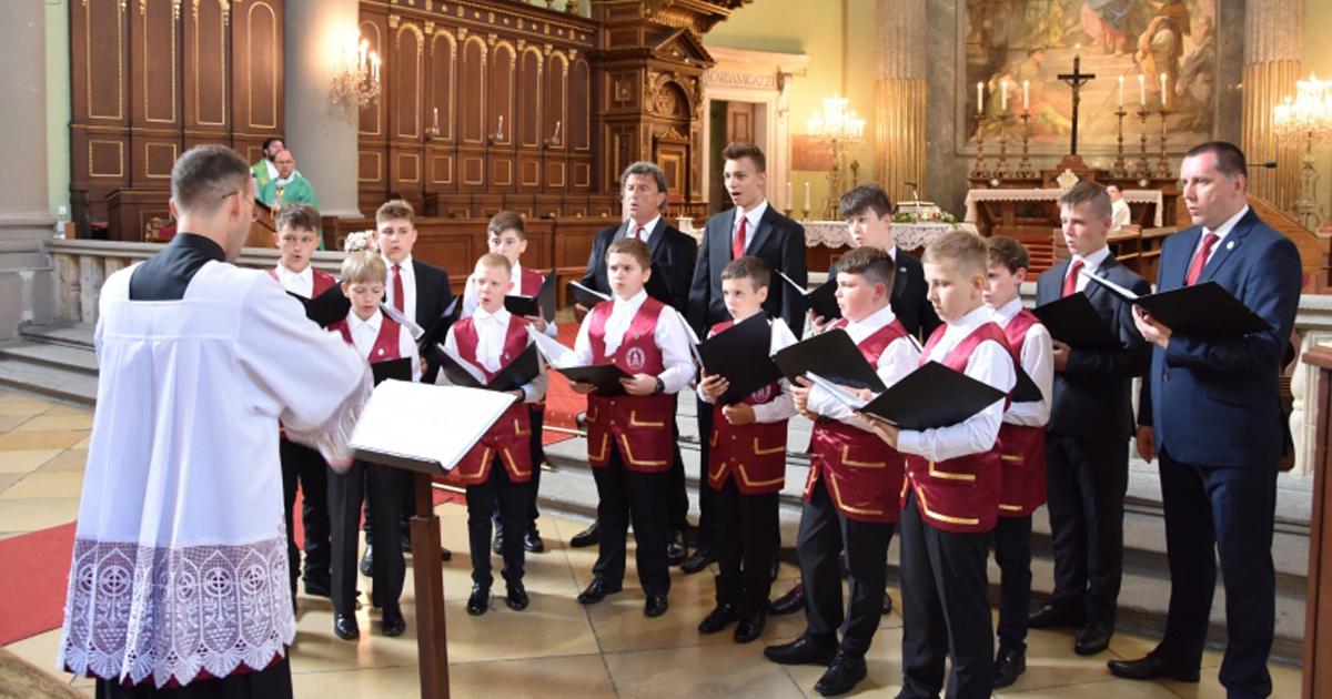 A Lublini Főegyházmegyei Fiúkórus énekelt Vácon